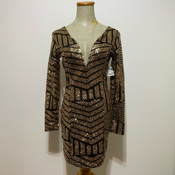 NWT Charlotte Russe sequins long sleeve dress